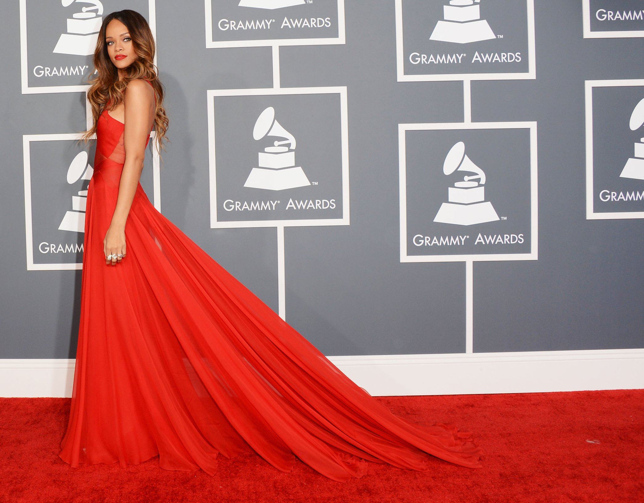 Rihanna-red dress-2013